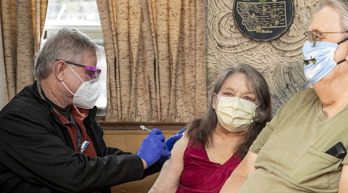 Gail and Robert Pursel of Millville, Pennsylvania, receive their COVID-19 vaccines, thanks to Geisinger's in-home health care service.